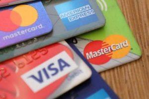 Credit-Card Debt in U.S. Rises to Record $930 Billion